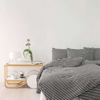 Marimekko's Tasaraita duvet cover and pillowcases, black-white