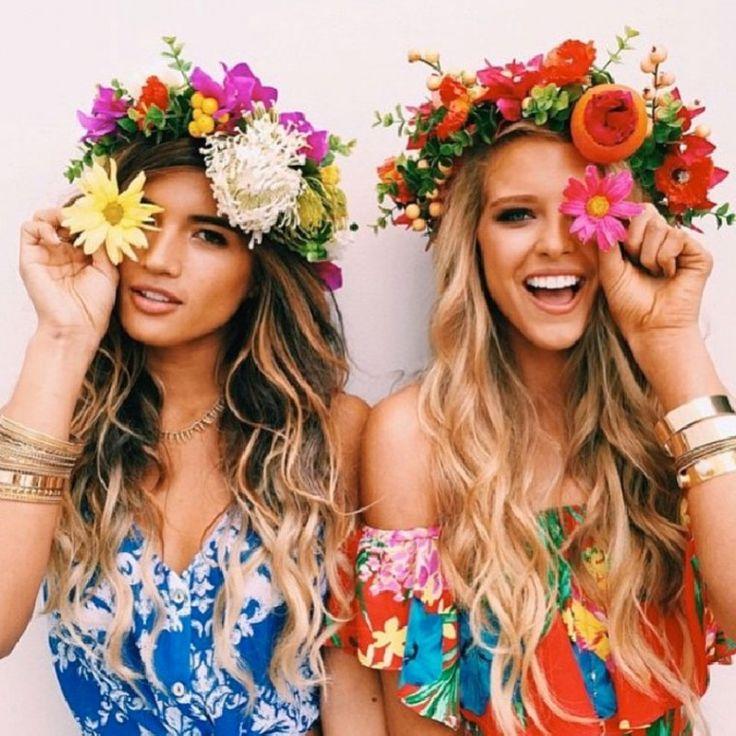 Quest'estate sugli #abiti lunghi sbocciano preziose fantasie #floreali. Scoprite…