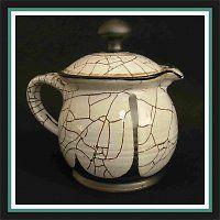 Čajník, harisovaná keramika.