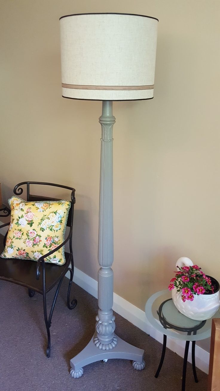 Think this is one of the nicest standard lamp I've have come across 😊 restyled by Refait Furniture.