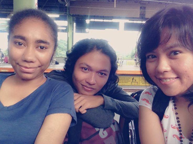hahahaha waiting for the train to Bandung