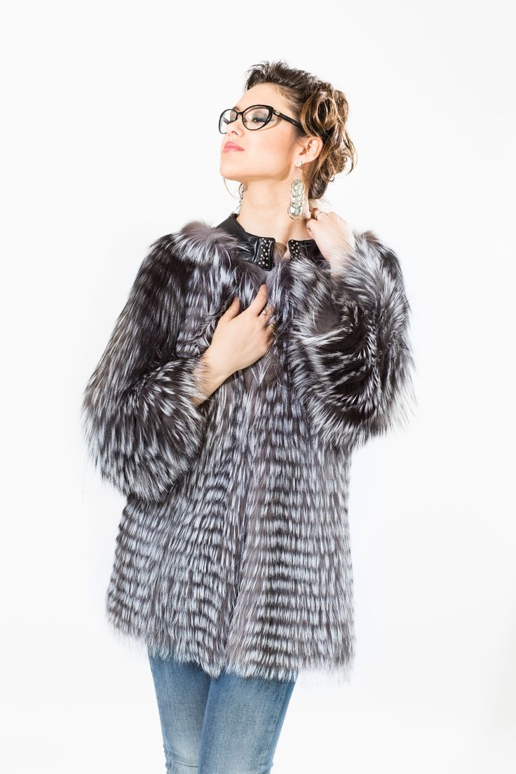 model DORA in natural silver fox