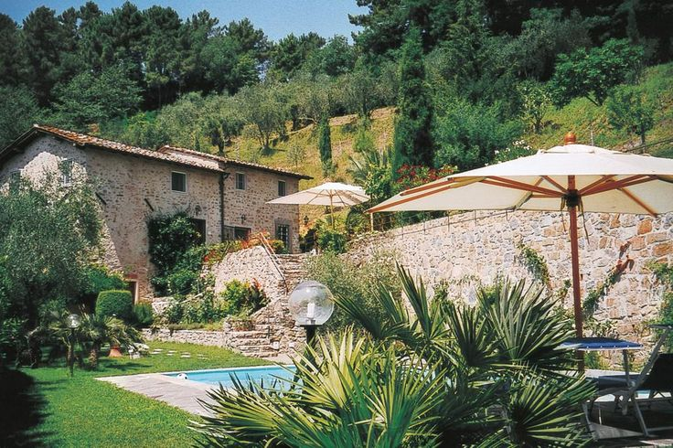 Al Castello - Pieve S.Stefano - Lucca http://www.salogivillas.com/en/villa/al-castello-22BA