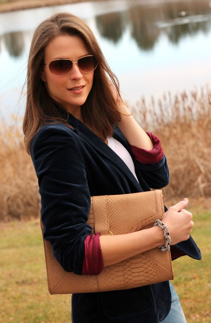 A gorgeous blue velvet blazer found by @PPF Girl from Savers for just $3!