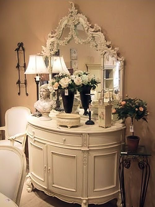 oh my goodness this is a beautiful grouping mirrors. Black Bedroom Furniture Sets. Home Design Ideas