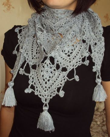 Unique crochet shawl, Russian site. No pattern but easy enough.