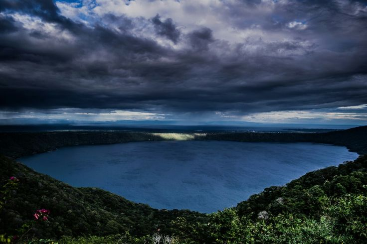 Laguna de Apoyo (Catarina, Masaya, Nicaragua)