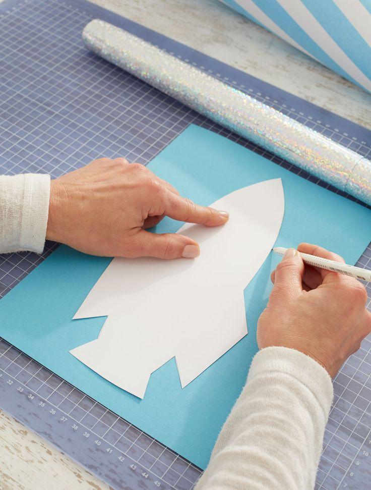 Schultüte: Raktenvorlage auf Pappe übertragen