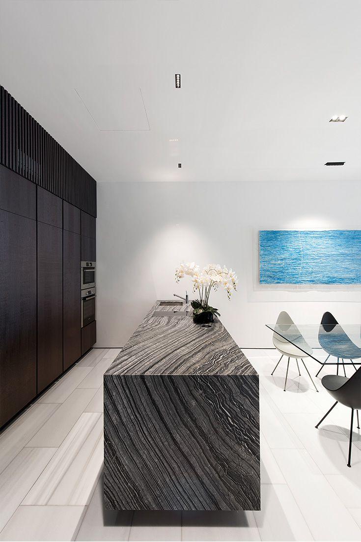 LINE 10 / Sleek and discreet lighting  House design, Terrace
