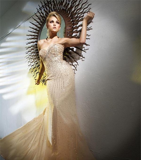 http://www.dzinecouture.co.za/wp-content/uploads/2013/03/DCTBE11263_evening_dress.jpg