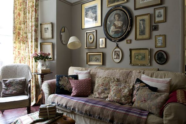 The English Home Magazine Really like the this room; especially the colour and gallery wall.