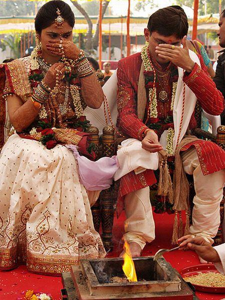 Hindu Wedding Ritual #Photography #Weddingplz #Wedding #Bride #Groom #love #Fashion #IndianWedding  #Beautiful #Style