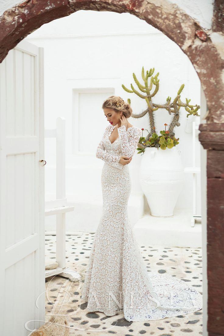 Anabel Rendelhető, Kölcsönzési díja: 143.000,- Ft  Hosszú ujjú csipke sellő esküvői ruha.