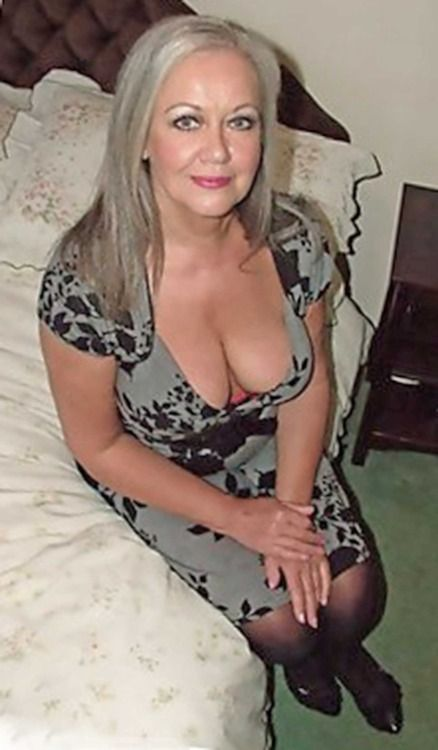 Lovely Woman Love Older 121