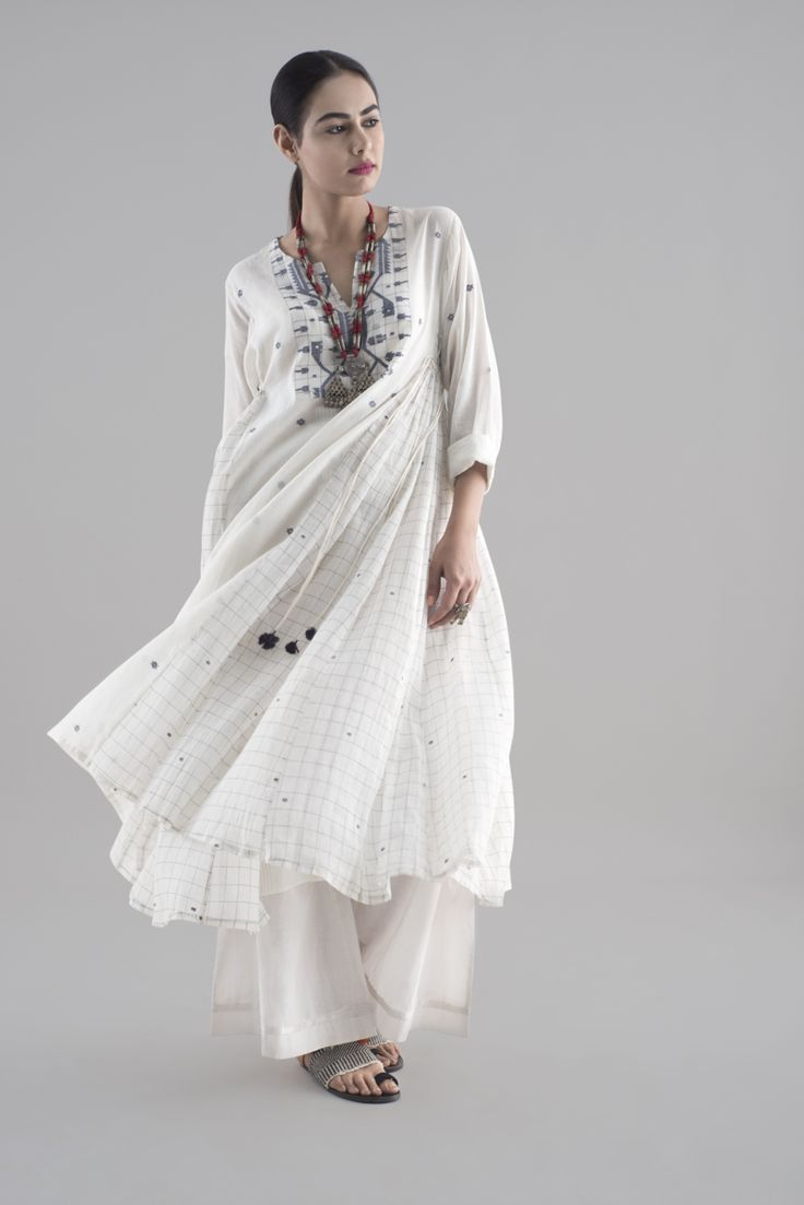 NARGEES A contemporary collection of casual wear features geometric patterns on light-as-air, handwoven fabrics, inspired by the traditional heritage textile of Jamdani.