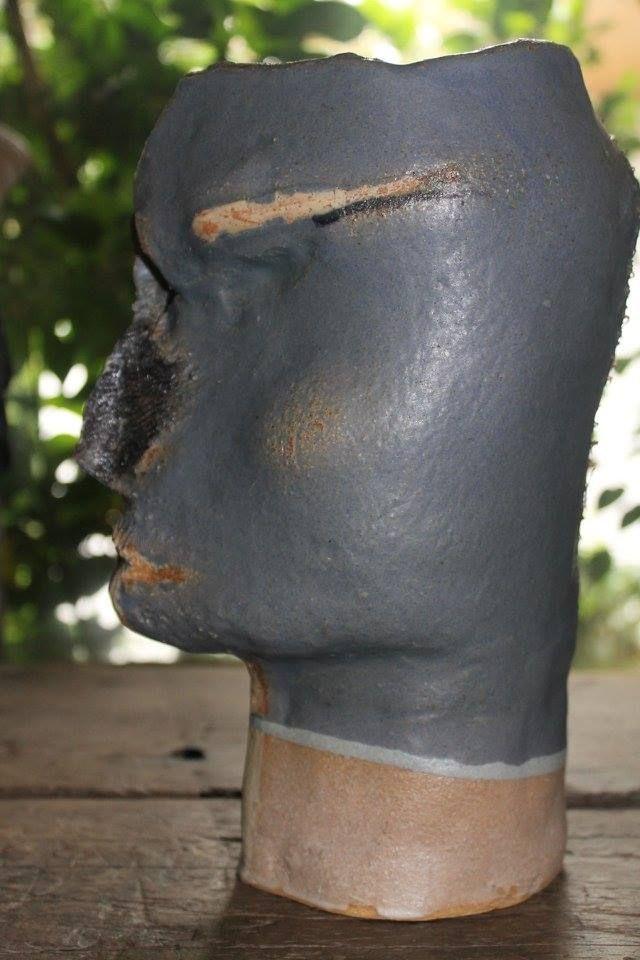 Cabeza de perfil