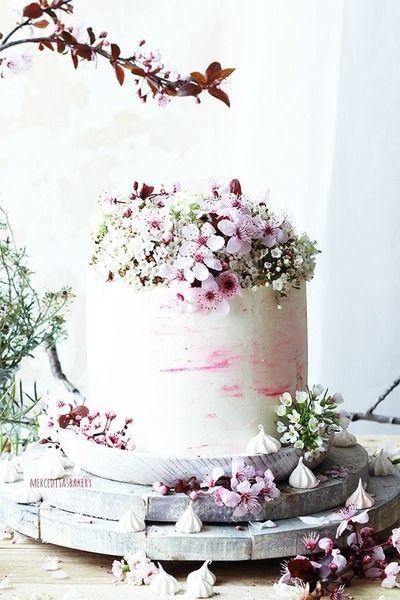 Matrimonio.it | Torte basse - Torta a 1 piano con fiori #weddingcake #love #flowers