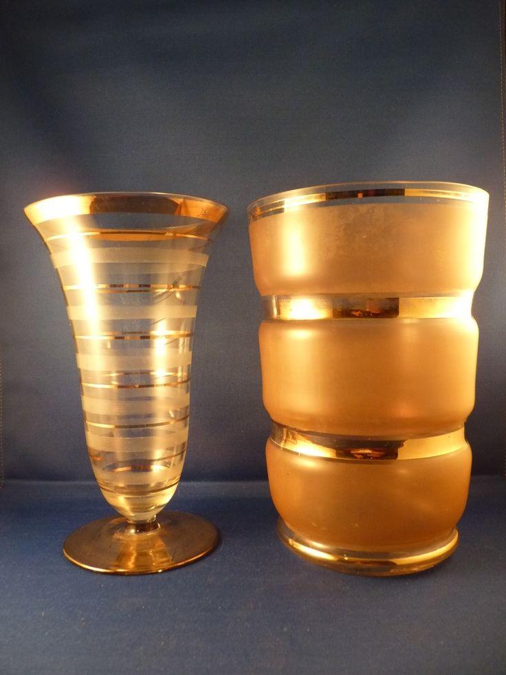 Nog meer gouden vazen.