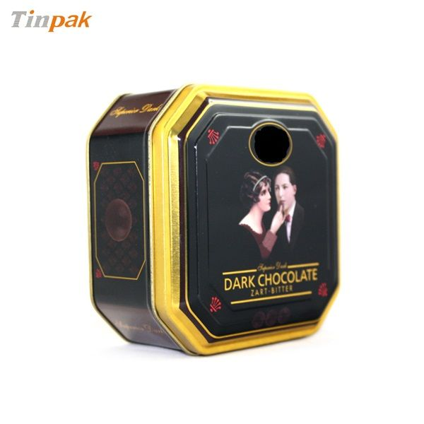 With Food grate tinplate, food grade internal lacquer, this delicate octagonal tin box is not only a catching focus for tourist consumers.