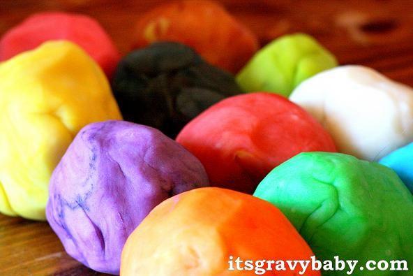 Cómo hacer plastilina casera | Video Decoración