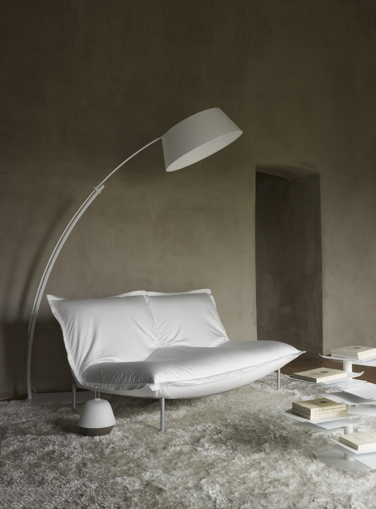 Superb Sofa Calin is like a big pillow and provides outstanding fort ligneroset http