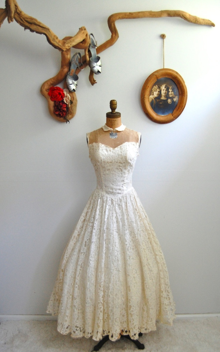 Vintage 1940s Lace Dress - 40s Peter Pan Wedding Dress - The Maybelline - AS IS.