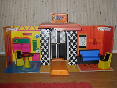 Vintage 1968 Mattel Barbie Family House With Complete