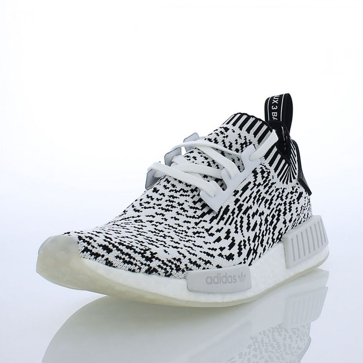 Sizes 7.5-13 for the white/black \