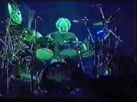 Alan White Drum Solo - YouTube