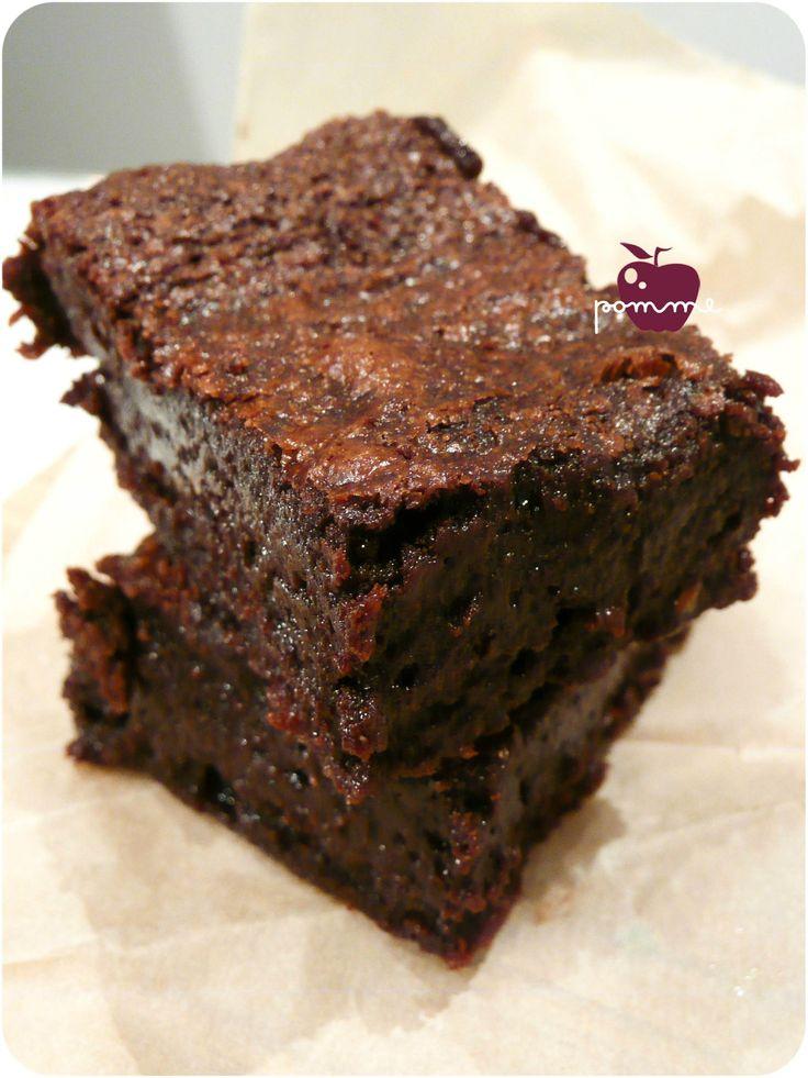 Brownie sans gluten sans lactose - avec 2 œufs, purée d'amandes, huile et beurre de cacao (facultatif) Comme un Mud Cake?