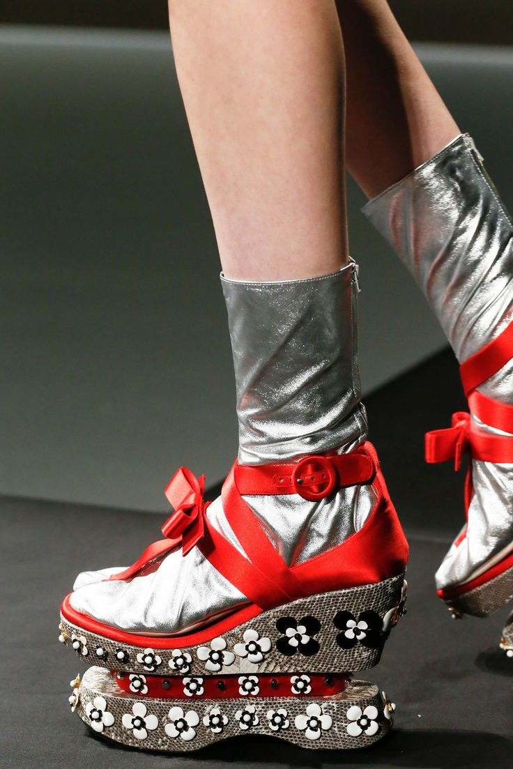 Dukes roller shoes - Weird Shoes Ugly Shoes Prada Shoes Prada Spring Fashion Shoes High Fashion Fashion Fail Weird Fashion 3d Fashion