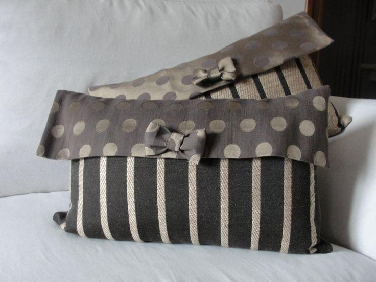 cuscini pochette realizzati con tessuti recuperati