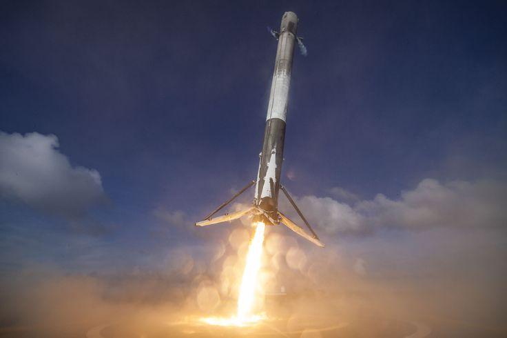SpaceX Falcon 9 droneship landing