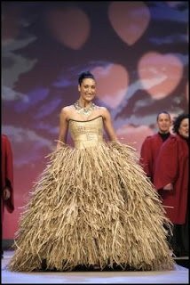 Stunnning gown from Lindah Lepou - Pacific Couture designer.
