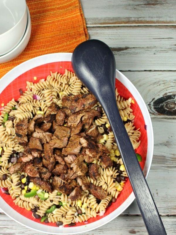 Salad Pasta dengan Daging, Makan Siang Sehat dan Lezat Hari Ini