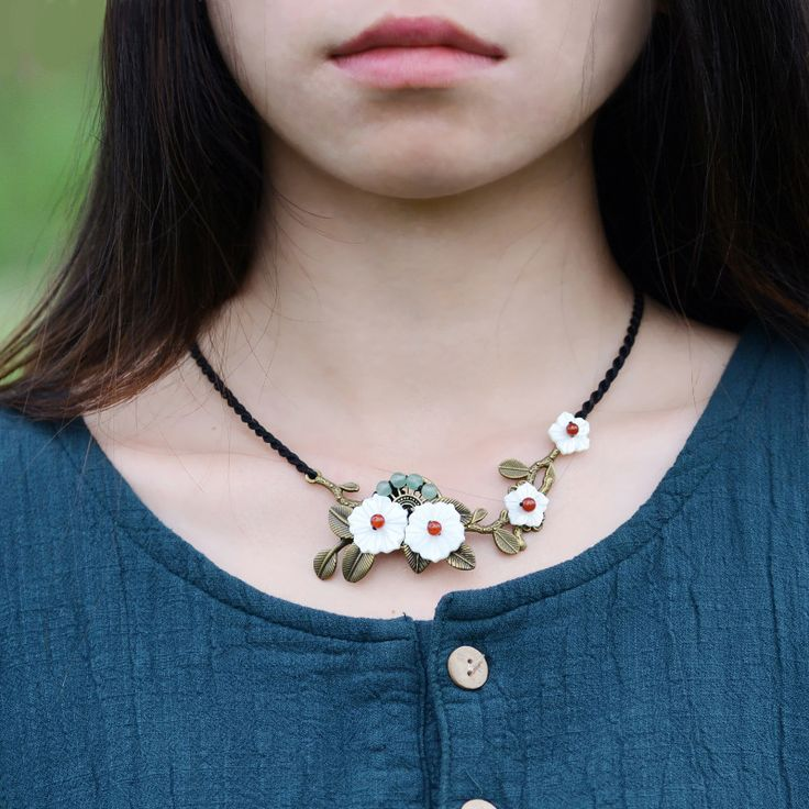 Original design new arrival Chinese ethnic drop pendant ,shell flower,short necklace Handmade vintage jewelry