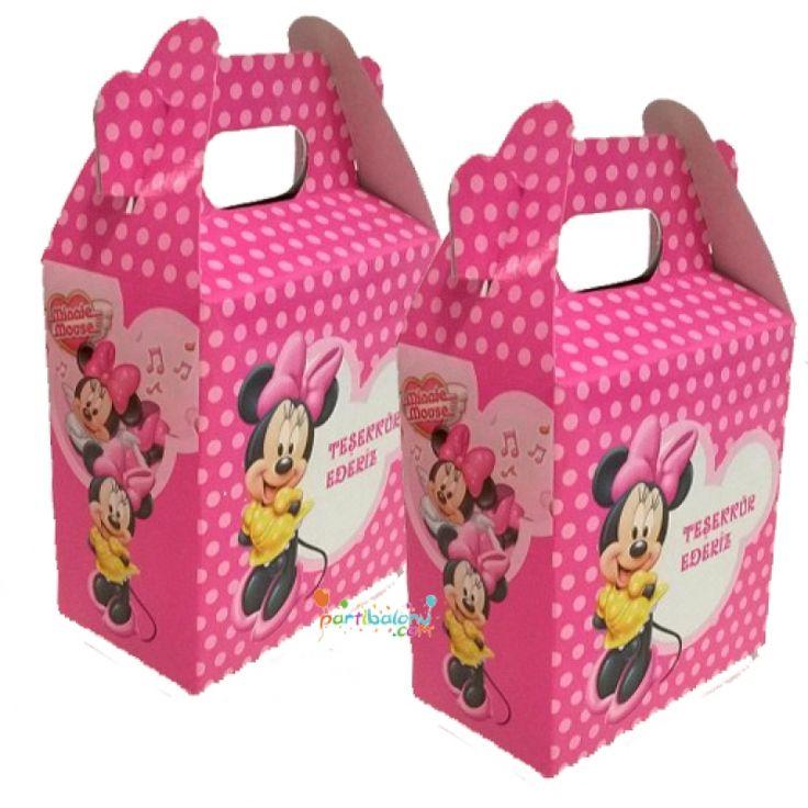 Minnie Mouse Çanta Mini Mouse Çanta Ürün Özellikleri  Ürün Paketinde 10 Adet Minnie Mouse Çanta bulunuyor. Karton Minnie Mouse Çanta Kaliteli baskı ve canlı çizimdir. Mini Mouse temalı çantaların boyutu 12 cm eni ve 11 cm boyutlarındadır. Hediye olarak kullanılan çantalar kartondan üretilmiştir.