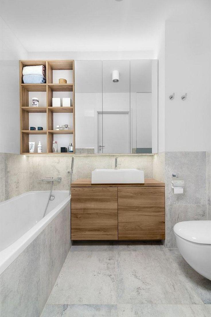 Graue Fliesen In Steinoptik Regale Und Schrank Aus Holz Und Led Streifen For The Home Kleine Badezimmer Design Badezimmer Badezimmergestaltung