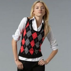 Argyle tank top. Diamonds and diagonal busy-ness on top of plain separates. Great.