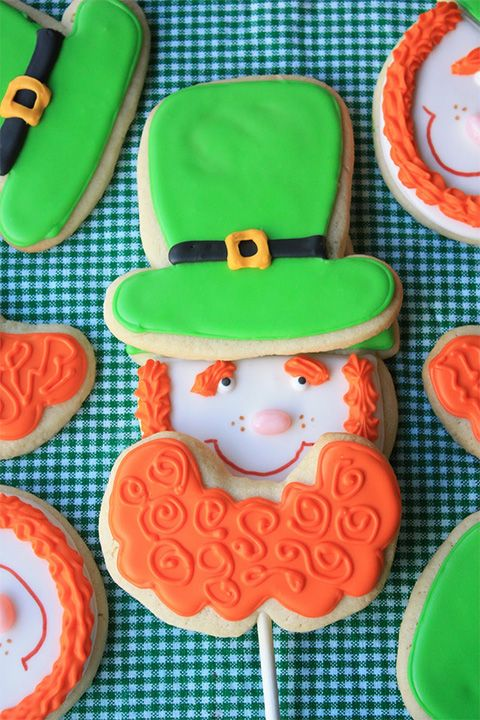 Leprechaun Beard Cookie Pops: Great for St. Paddy's Day kids parties! Thanks @Babble