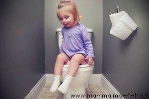 Bimbo di 3 anni che trattiene la popò: Che fare? - I consigli delle mamme