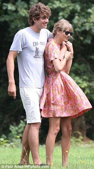 Former flames: Taylor dated Hollywood actor Jake Gyllenhaal (L) back in 2010, and called time on her summer romance with Conor Kennedy (R) last month    Read more: http://www.dailymail.co.uk/tvshowbiz/article-2236230/Taylor-Swift-buying-North-London-home-close-One-Directions-Harry-Styles.html#ixzz2Cs2IGQZz  Follow us: @MailOnline on Twitter | DailyMail on Facebook
