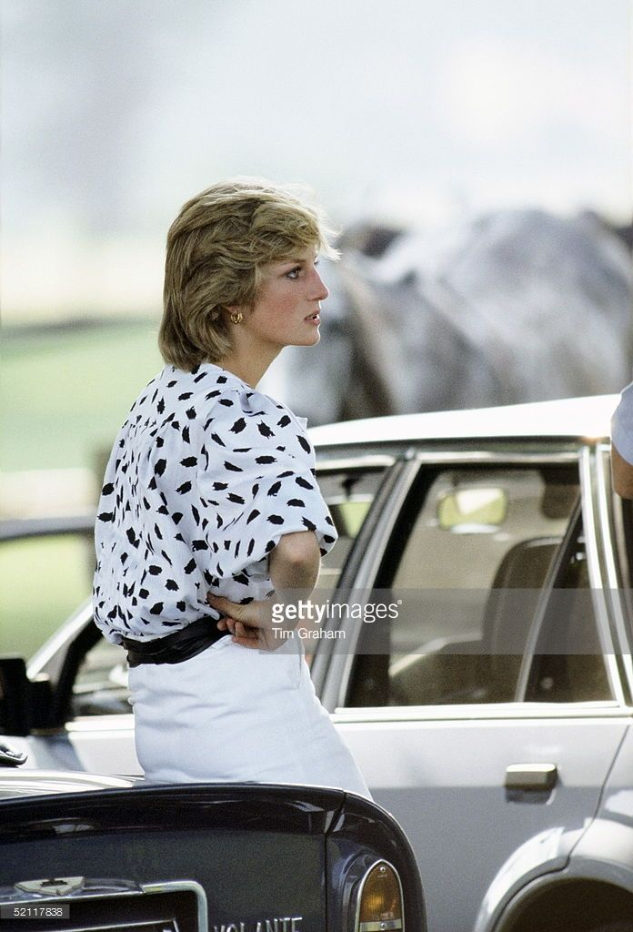 1983--Princess Diana Watching A Polo Match In Cirencester Leaning On Prince Charles Aston Martin Db5 Volante Sports Car