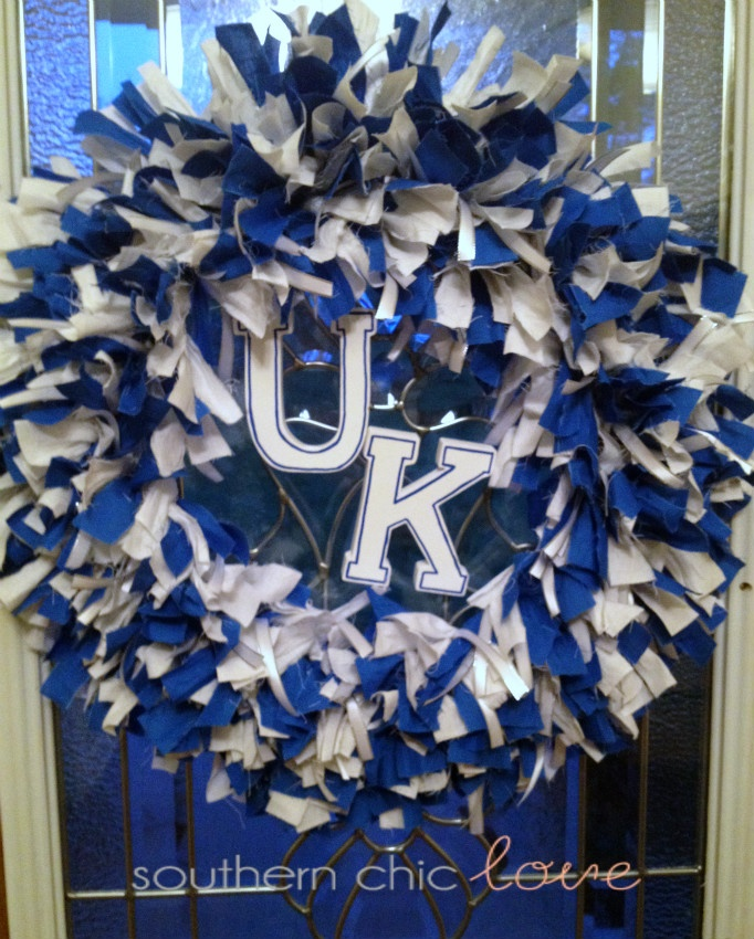 Southern Chic Love: diy rag wreath, of course it would never be Uk. Go UT!
