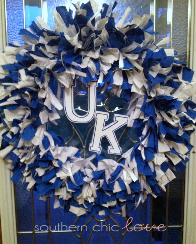 Southern Chic Love: diy rag wreath: Big Blue, Rag Wreaths Diy, Schools Colors, Crafts Ideas, Southern Chic, Diy'S, Diy Wreaths, Cheer Wreaths, Diy Rag Wreaths