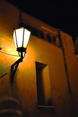 Σκέψεις: Άλλη μια νύχτα στην ταβέρνα, γράφει ο Τάσος Ορφανί...