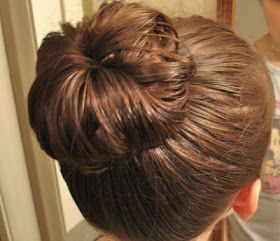 BowSweet: Tutorial: How to Curl Hair with No Heat - Sock Bun