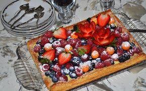Обои голубика, десерт, ягоды, малина, физалис, пирог, ежевика, клубника