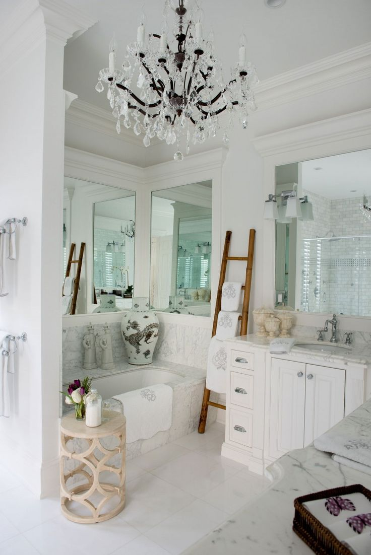 Reinventing Palm Beach Style by Les Ensembliers (24) This bathroom!! LOVE the counter tops!