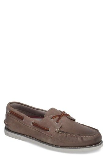 Free shipping and returns on Sperry 'Gold Cup - Authentic Original' Boat Shoe (Men) at Nordstrom.com. The Gold Cup Collection takes the inimitable Sperry style to the next level with hand-burnished leathers, meticulous design and 18K gold-plate details for a touch of shine to seal the deal. Practical rawhide laces top a well-made boat shoe crafted in a classical silhouette and grounded with a siped sole for traction on wet surfaces.